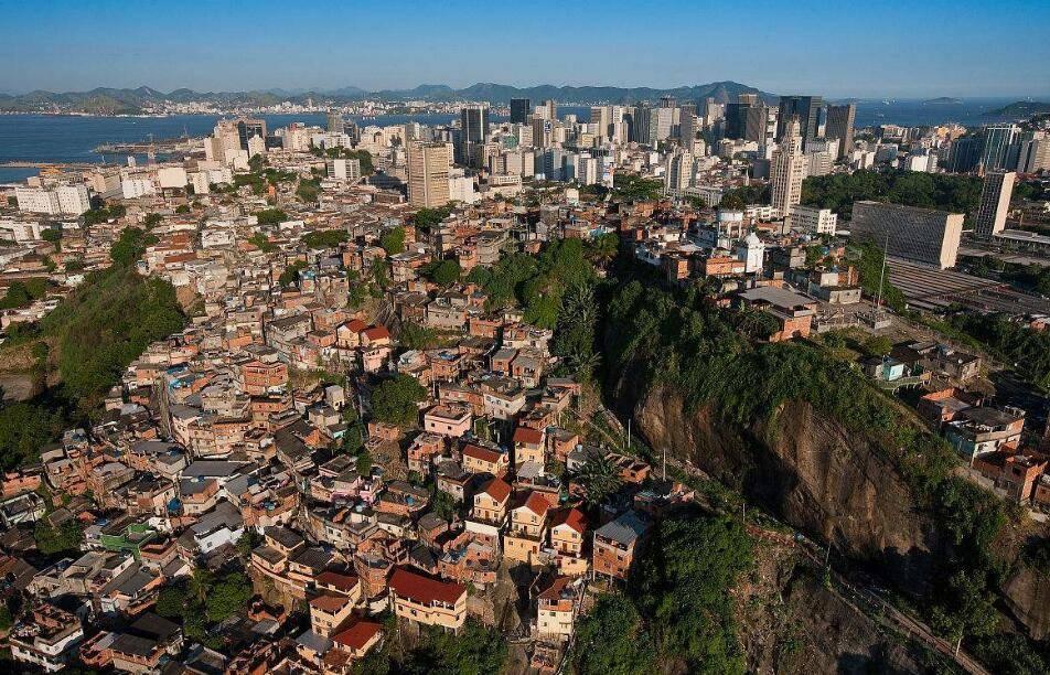 巴西圣保罗国际门窗、五金工具及配件展览会.jpg