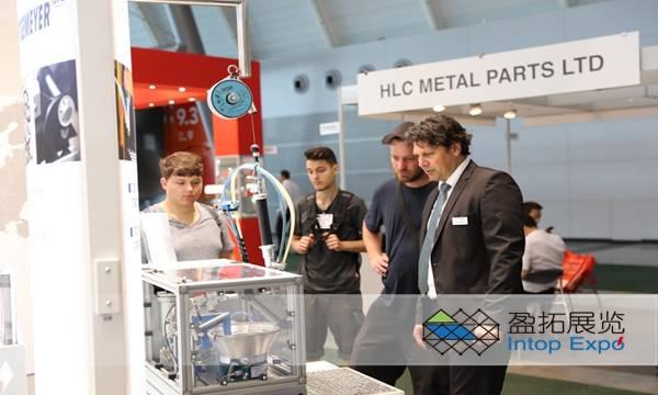 德国斯图加特国际汽车零部件展览会.jpg