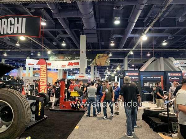 美国拉斯维加斯国际改装车及配件龙8国际